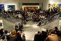 """24 FEB 2005, BERLIN/GERMANY:<br /> Veranstaltung """"Es gilt das gesprochene Wort"""" in der  Skylobby mit Durs Gruenbein, Autor, Christina Weiss, SPD, Staatsministerin fuer Kultur im Bundeskanzleramt, Marcel Reich-Ranicki, Literaturkritiker, Gerhard Schroeder, SPD, Bundeskanzler, Bundeskanzleramt<br /> IMAGE:20050224-02-020<br /> KEYWORDS: Lesung, Diskussion, Durs Grünbein, Gerhard Schröder, Übersicht, Uebersicht"""