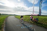 Een van de checkpoints onderweg. In Nieuwegein wordt het NK Fietskoerieren gehouden. Fietskoeriers uit Nederland strijden om de titel door op een parcours het snelst zoveel mogelijk stempels te halen en lading weg te brengen. Daarbij moeten ze een slimme route kiezen.<br /> <br /> One of the checkpoints. In Nieuwegein bike messengers battle for the Open Dutch Bicycle Messenger Championship.