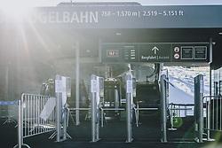 15.03.2020, Kaprun, AUT, Coronavirus in Österreich, im Bild leere Zugangskreuze zu den Gondeln // Empty access crosses to the gondolas. The Austrian government is pursuing aggressive measures in an effort to slow the ongoing spread of the coronavirus, Kaprun, Austria on 2020/03/15. EXPA Pictures © 2020, PhotoCredit: EXPA/ JFK