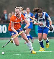 BLOEMENDAAL - Josien Galama van Bloemendaal tijdens de overgangsklasse competitiewedstrijd hockey tussen de vrouwen van Bloemendaal en Zwolle (2-0). COPYRIGHT KOEN SUYK
