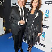 NLD/Hilversum/20150217 - Inloop Buma Awards 2015, Ben Cramer en partner Carla van der Waal