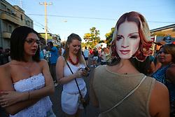 Movimento de público na entrada do estádio Olímpico, momentos antes do show da Madonna, em Porto Alegre. FOTO: Jefferson Bernardes/Preview.com