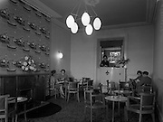 10/10/1960<br /> 10/10/1960<br /> 10 October 1960<br /> Views of Hotel Pierre in Dun Laoghaire, Dublin. The bar.