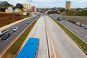 Belo Horizonte_MG, Brasil...Avenida Antonio Carlos apos duplicacao, na cidade de Belo Horizonte, Minas Gerais, as obras fazem parte do projeto Linha Verde...Antonio Carlos avenue turned a dual-carriage-way in Belo Horizonte, Minas Gerais. This works are part of Linha Verde project...Foto: NIDIN SANCHES / NITRO