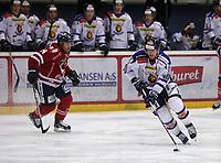 Ishockey , Get - ligaen ,<br /> Kvartfinale 3/7<br /> 08.03.2012 <br /> Kristins Hall<br /> Lillehammer I.K  v Sparta Sarpsborg  4-3<br /> Foto:Dagfinn Limoseth  -  Digitalsport<br /> Stefan Sjödin , Lillehammer og Marcus Olsson  , Sparta