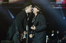 © Licensed to London News Pictures. 30/08/2015. Reading, UK. The Libertines performing at Reading Festival 2015, Day 3 Sunday.  In this picture - Pete Doherty (left), Carl Barat (right).  Photo credit: Richard Isaac/LNP
