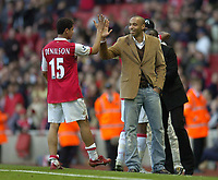 Photo: Olly Greenwood.<br />Arsenal v Reading. The Barclays Premiership. 03/03/2007. Arsenal's Thierry Henry congraulates Denilson after the game