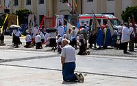 Bialystok, 11.06.2020. Miejska procesja Bozego Ciala przeszla przez centrum miasta od kosciola Farnego do kosciola sw Rocha, pomimo trwajacej wciaz pandemii koronawirusa w kraju. fot Michal Kosc / AGENCJA WSCHOD