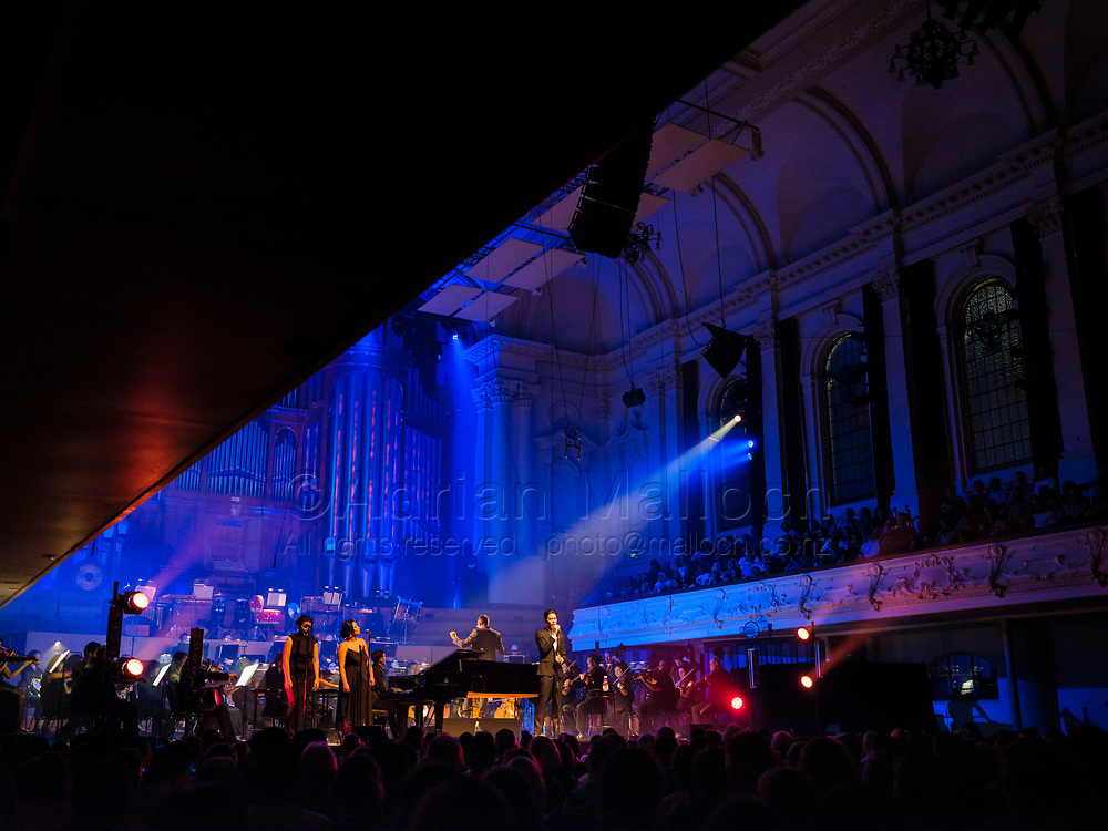 Teeks' debut headline concert at the Auckland Town Hall with the Auckland Philharmonia Orchestra and Hollie Smith, March 2019.