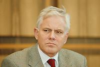 02.02.1998, Germany/Bonn:<br /> Gerhard Glogowski, SPD, Innenminister Niedersachsen, Bundespressekonferenz<br /> IMAGE: 19980202-03/01-10