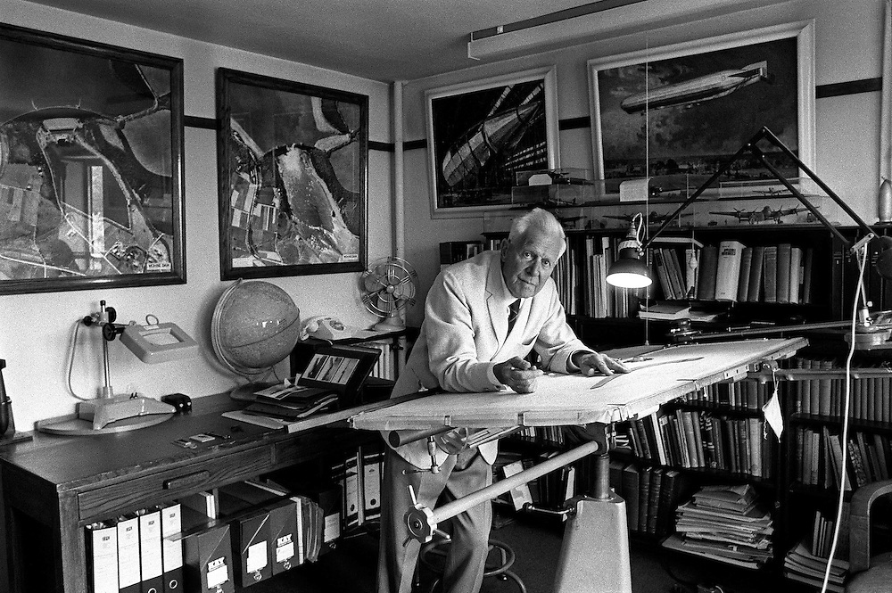 Sir Barnes Wallace seen at his drawing desk at his home in Effingham,Surrey, UK in November 1971. Wallace was the British scientist, engineer and inventor who created the famous R-100 airship and the 'bouncing bomb' used for 'Operation Chastise' by the Dam Busters in the Second World War. Photograph by Terry Fincher