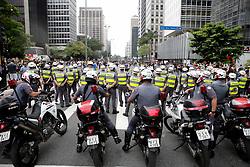 September 30, 2018 - Sao Paulo, Brazil - police reinforce security in demonstration pro Bolsonaro in Paulista ave. in Sao Paulo on September 30, 2018. (Credit Image: © Dario Oliveira/ZUMA Wire)
