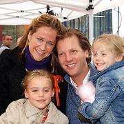 NLD/Amsterdam/20061006 - Premiere Winxclub on tour, Michel Mol en partner Pauline Huizinga en kinderen Myrthe en Pieter-Jan