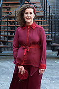 Op Prinsjesdag 2018 spreekt het staatshoofd in de Aankomst Politici Ridderzaal. Staten-Generaal van het Koninkrijk der Nederlanden in verenigde vergadering bijeen de troonrede uit. Daarin geeft de regering aan wat het regeringsbeleid zal zijn voor het komende jaar. <br /> <br /> op de foto / On the photo:  Minister Ingrid van Engelshoven , Minister van Onderwijs, Cultuur en Wetenschap (OCW)