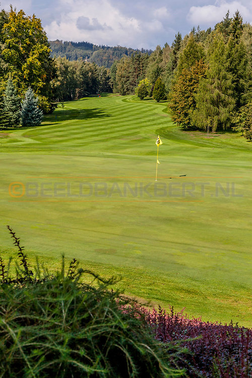 21-09-2015: Golf Resort Karlovy Vary in Karlovy Vary (Karlsbad), Tsjechië.<br /> Foto: Green van hole 18