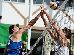 17-07-2014 NED: FIVB Grand Slam Beach Volleybal, Apeldoorn<br /> Poule fase groep A mannen - Steven van de Velde (2) NED, Alexander Walkenhorst (1) GER