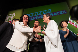 13.10.2017, Marx Halle, Wien, AUT, Grüne, Kundgebung zum Wahlkampfabschluss anlässlich der Nationalratswahl 2017. im Bild v.l.n.r. ehemalige Grüne Klubobfrau Eva Glawischnig und Grüne Spitzenkandidatin für die Nationalratswahl Ulrike Lunacek // f.l.t.r. former Leader of the parliamentary group the greens Eva Glawischnig<br />  and Candidate of the greens for general elections in Austria Ulrike Lunacek during final campaigning event of the greens due to Austrian general elections 2017 in Vienna, Austria on 2017/10/13. EXPA Pictures © 2017, PhotoCredit: EXPA/ Michael Gruber