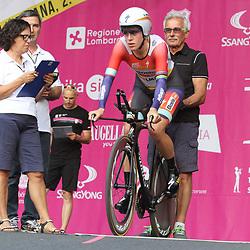 03-07-2015: Wielrennen: Giro Rosa 2015 proloog: Ljubljana<br /> Ellen van Dijk had schakelproblemen in de proloog en kwam 2 seconden tekort
