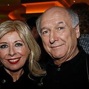 NLD/Hilversum/20101216 - Uitreiking Sterren.nl Awards, Bonnie st. Claire en Peter Koelewijn