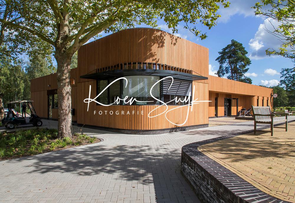 HILVERSUM -  nieuwe onderkomen van de caddymaster  het nieuwe clubhuis . Hilversumsche Golf Club, COPYRIGHT  KOEN SUYK