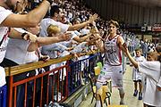 DESCRIZIONE : Campionato 2014/15 Serie A Beko Grissin Bon Reggio Emilia -  Dinamo Banco di Sardegna Sassar Finale Playoff Gara1<br /> GIOCATORE : Achille Polonara<br /> CATEGORIA : Tifosi Pubblico Spettatori Ritratto Esultanza Postgame<br /> SQUADRA : Grissin Bon Reggio Emilia<br /> EVENTO : LegaBasket Serie A Beko 2014/2015<br /> GARA : Grissin Bon Reggio Emilia - Dinamo Banco di Sardegna Sassari Finale Playoff Gara1<br /> DATA : 14/06/2015<br /> SPORT : Pallacanestro <br /> AUTORE : Agenzia Ciamillo-Castoria/GiulioCiamillo