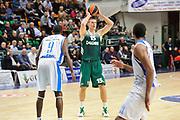 DESCRIZIONE : Eurolega Euroleague 2014/15 Gir.A Dinamo Banco di Sardegna Sassari - Zalgiris Kaunas<br /> GIOCATORE : Robertas Javtokas<br /> CATEGORIA : Passaggio<br /> SQUADRA : Zalgiris Kaunas<br /> EVENTO : Eurolega Euroleague 2014/2015<br /> GARA : Dinamo Banco di Sardegna Sassari - Zalgiris Kaunas<br /> DATA : 14/11/2014<br /> SPORT : Pallacanestro <br /> AUTORE : Agenzia Ciamillo-Castoria / Luigi Canu<br /> Galleria : Eurolega Euroleague 2014/2015<br /> Fotonotizia : Eurolega Euroleague 2014/15 Gir.A Dinamo Banco di Sardegna Sassari - Zalgiris Kaunas<br /> Predefinita :