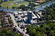 Nederland, Noord-Holland, Haarlem, 12-05-2009; Voormalig Spaarne Ziekenhuis, wordt gedeeltelijk gesloopt om plaats te maken voor woningbouw, het hoofdgebouw wordt verbouwd. .Swart collectie, luchtfoto (toeslag); Swart Collection, aerial photo (additional fee required).foto Siebe Swart / photo Siebe Swart