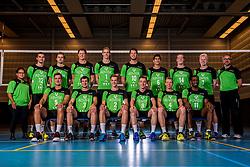11-10-2017 NED: Selectie SSS 2017-2018, Barneveld<br /> De spelers van eredivisie club SSS voor het seizoen 2017-2018 / Teamfoto met staf