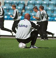 Landslagstrener Nils Johan Semb, Norge. Landslagstrening foran kampen mot Armenia. Herrelandslaget 2000. 31. august 2000. (Foto: Peter Tubaas/Fortuna Media)
