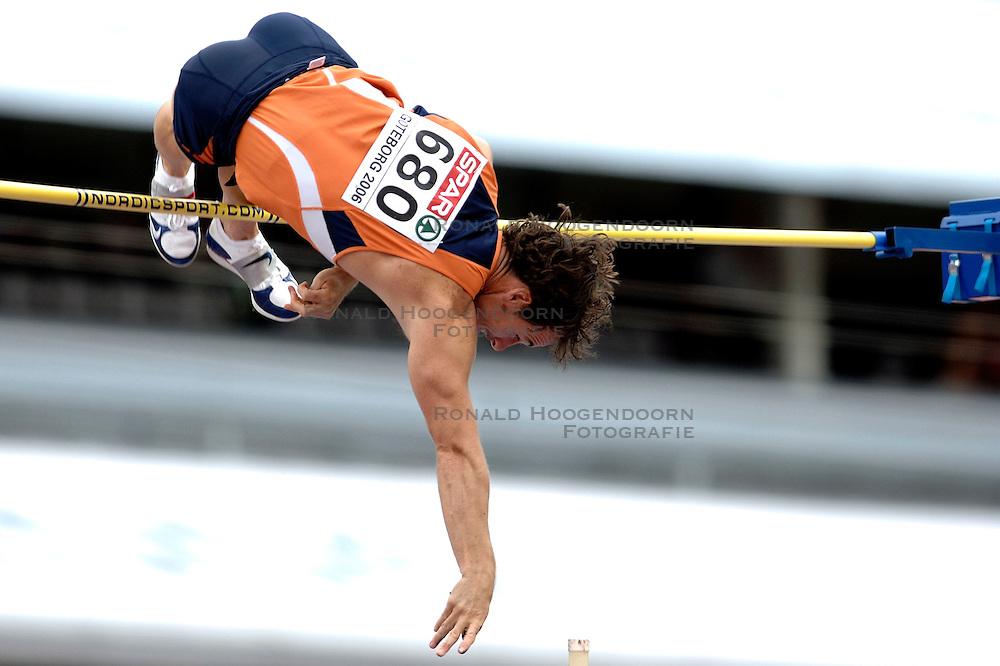 10-08-2006 ATLETIEK: EUROPEES KAMPIOENSSCHAP: GOTHENBORG <br /> Christian Tamminga plaatst zich voor de finale polsstokspringen<br /> ©2006-WWW.FOTOHOOGENDOORN.NL