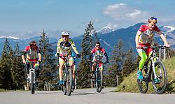 05.05.2016, Kitzbuehler Horn, Kitzbuehel, AUT, OeSV, Skisprung, Lehrgang Mountainbike Tour, im Bild Cheftrainer Heinz Kuttin (AUT), Markus Schiffner (AUT), Stefan Kraft (AUT), Michael Hayböck (AUT) // Headcoach Heinz Kuttin, Markus Schiffner, Stefan Kraft, Michael Hayboeck of Austria during a mountain bike ride of the Austrian ski jumping Team at the Kistbuehler Horn, Kitzbuehel, Austria on 2016/05/05. EXPA Pictures © 2016, PhotoCredit: EXPA/ JFK