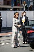 Aankomst van Grootmeesteres Bibi van Zuylen tijdens Prinsjesdag bij de Grote kerk. De koning zal  de troonrede voorlezen in de Grote Kerk aan leden van de Eerste en Tweede Kamer.