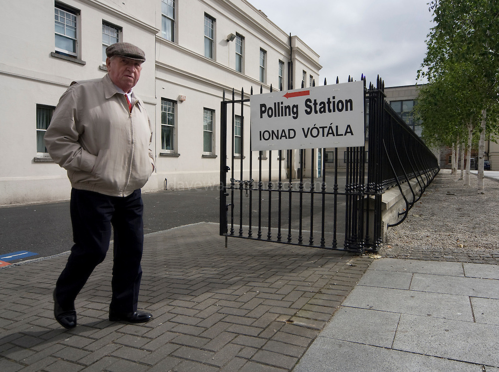 """Editorial Use Only: A disgruntled voter leaves the polling station on Dublin's Marlborough St. He said he """"voted no"""", adding that he though that 99% of the politicians are corrupt. ........http://www.davewalshphoto.com"""