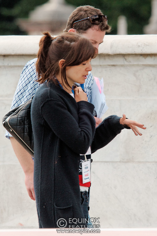 London, United Kingdom - 23 August 2008.PICTURE EXCLUSIVE - ALL AROUND.TV presenters Claudia Winkleman and Matt Baker rehearsing for the Olympics Handover Party at Buckingham Palace, Westminster, London, UK..(photo by: EDWARD HIRST/EQUINOXFEATURES.COM)..Picture Data:.Photographer: EDWARD HIRST.Copyright: ©2008 Equinox Licensing Ltd. +448700 780000.Contact: Equinox News Pictures Ltd..Date Taken: 20080823.Time Taken: 153403+0000.www.newspics.com