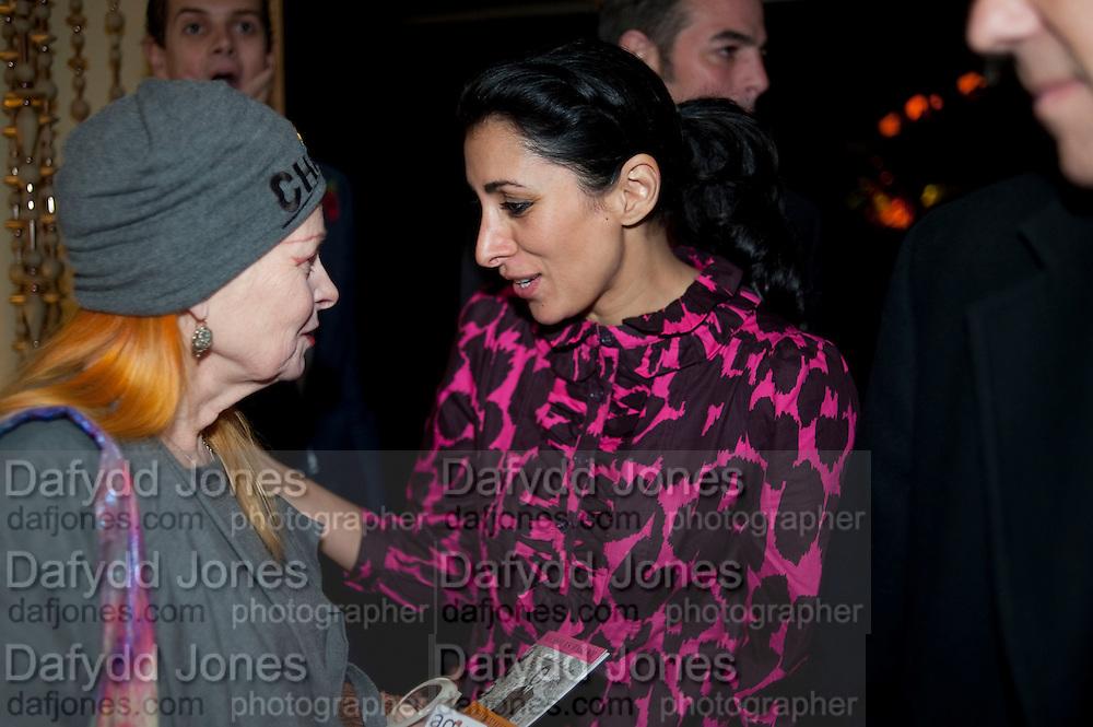 VIVIENNE WESTWOOD; SERENA REES, Launch of Nicky Haslam's book Redeeming Features. Aqua Nueva. 5th floor. 240 Regent St. London W1.  5 November 2009.  *** Local Caption *** -DO NOT ARCHIVE-© Copyright Photograph by Dafydd Jones. 248 Clapham Rd. London SW9 0PZ. Tel 0207 820 0771. www.dafjones.com.<br /> VIVIENNE WESTWOOD; SERENA REES, Launch of Nicky Haslam's book Redeeming Features. Aqua Nueva. 5th floor. 240 Regent St. London W1.  5 November 2009.