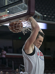 October 10, 2017 - Los Angeles, California, U.S - Marshall Plumlee #40 of the Los Angeles Clippers with a backhand dunk during their Free Open Practice for fans held on Tuesday October 10, 2017 at the Galen Center in USC in Los Angeles, California. (Credit Image: © Prensa Internacional via ZUMA Wire)