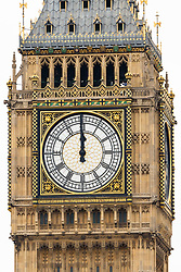 © Licensed to London News Pictures. 21/08/2017. LONDON, UK.  The clock strikes midday as Big Ben's bongs ring out for the final time before repairs are undertaken and the chimes of the clock stopped for health and safety reasons.  Photo credit: Vickie Flores/LNP