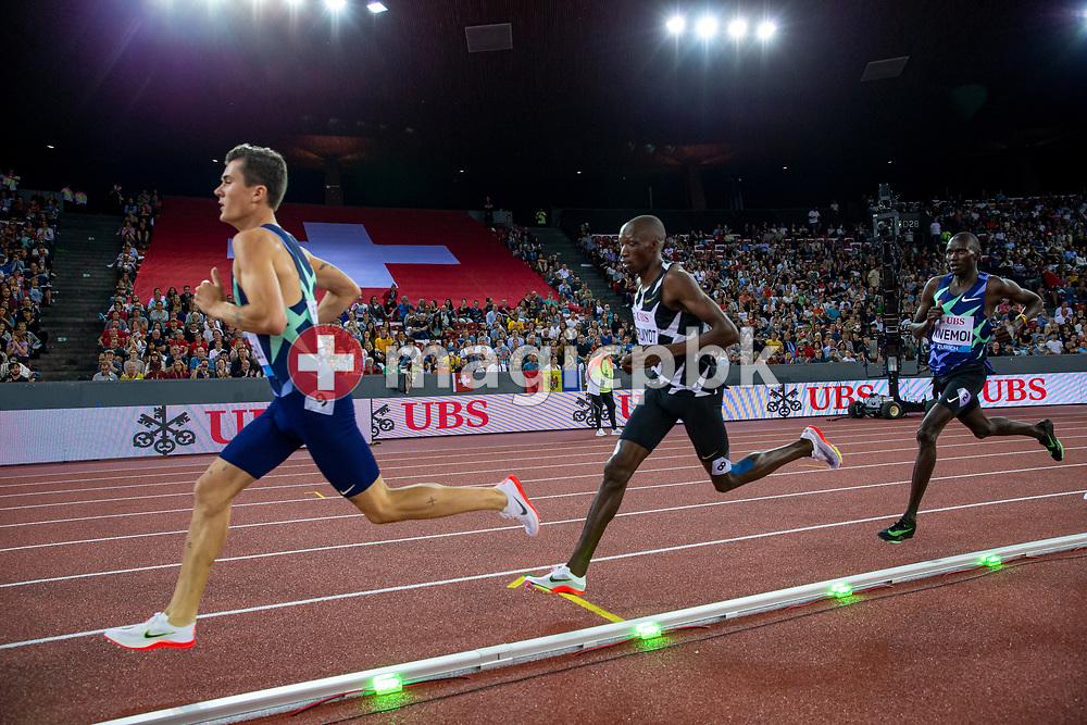 Timothy Cheruiyot (C) of Kenya on his way winning the 1500m Men during the Iaaf Diamond League meeting (Weltklasse Zuerich) at the Letzigrund Stadium in Zurich, Switzerland, Thursday, Sept. 9, 2021. (Photo by Patrick B. Kraemer / MAGICPBK)