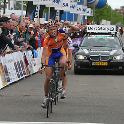 Olympia Tour 2007 was het gevecht om de seconden tussen Martijn Maaskant en LArs Boom. In Heerenveen was Boom de sterkste in de sprint