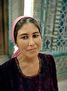 Portrait of Uzbek women in Samarkand.<br />  Travels in Central Asia through the ancient cities of the old Silk Road: Bukhara, Samarkand and Khiva, Ubekistan. june 2006.
