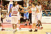 DESCRIZIONE : Pistoia campionato serie A 2013/14 Giorgio Tesi Group Pistoia Vanoli Cremona <br /> GIOCATORE : Kyle Gibson<br /> CATEGORIA : controcampo esultanza<br /> SQUADRA : Giorgio Tesi Group Pistoia<br /> EVENTO : Campionato serie A 2013/14<br /> GARA : Giorgio Tesi Group Pistoia Vanoli Cremona <br /> DATA : 10/11/2013<br /> SPORT : Pallacanestro <br /> AUTORE : Agenzia Ciamillo-Castoria/GiulioCiamillo<br /> Galleria : Lega Basket A 2013-2014  <br /> Fotonotizia : Pistoia campionato serie A 2013/14 Giorgio Tesi Group Pistoia Vanoli Cremona<br /> Predefinita :