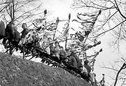 Niedziela palmowa przed kościołęm w podkrakowskiej wsi. Małopolska koniec lat 70. XX wieku.