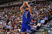 DESCRIZIONE : Beko Legabasket Serie A 2015- 2016 Dinamo Banco di Sardegna Sassari - Enel Brindisi<br /> GIOCATORE : Andrea Zerini<br /> CATEGORIA : Tiro Tre Punti Three Point<br /> SQUADRA : Enel Brindisi<br /> EVENTO : Beko Legabasket Serie A 2015-2016<br /> GARA : Dinamo Banco di Sardegna Sassari - Enel Brindisi<br /> DATA : 18/10/2015<br /> SPORT : Pallacanestro <br /> AUTORE : Agenzia Ciamillo-Castoria/C.Atzori