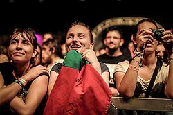 Público assiste o duo pop Boy, formado por uma suíça e uma alemã, no palco Meca durante a 20ª edição do Planeta Atlântida, que ocorre nos dias 29 e 30 de janeiro, na SABA, na praia de Atlântida, no Litoral Norte gaúcho.  Foto: Carlos Ferrari / Agência Preview
