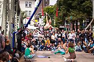 artists of the compagnie Fliegenwerk at the Midsummer Festival at the Chocolate Museum in the Rheinau harbor, Cologne, Germany<br /> <br /> Artisten der Compagnie Fliegenwerk beim Mitsommerfest am Schokoladenmuseum im Rheinauhafen, Koeln, Deutschland.