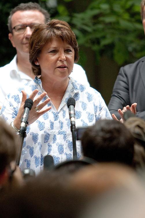 MARTINE AUBRY en Avignon pour le festival 2011
