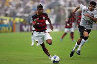20091129: SAO PAULO, BRAZIL - Corinthians vs Flamengo: Brazilian League 2009. In picture: Leonardo Moura (Flamengo). PHOTO: CITYFILES