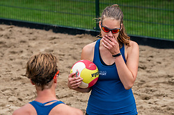 Juliette van Duijnhoven in action. From July 1, competition in the Netherlands may be played again for the first time since the start of the corona pandemic. Nevobo and Sportworx, the organizer of the DELA Eredivisie Beach volleyball, are taking this opportunity with both hands. At sunrise, Wednesday exactly at 5.24 a.m., the first whistle will sound for the DELA Eredivisie opening tournament in Zaandam on 1 July 2020 in Zaandam.