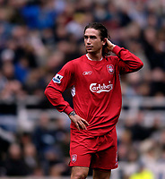 Photo: Jed Wee.<br /> Newcastle United v Liverpool. The Barclays Premiership. 19/03/2006.<br /> <br /> Liverpool's Harry Kewell spends time on his flowing locks in the first half.