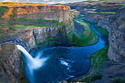 The Palouse Falls lies on the Palouse River, about 4 mi (6.4 km) upstream of the confluence with the Snake River in southeast Washington, United States. The falls are 200 ft (61 m) in height.The falls consists of an upper falls with a drop of ~20 feet (6.1 m) which lies 1,000 feet (300 m) north northwest of the main drop, and a lower falls, with a drop of ~180 feet (55 m).
